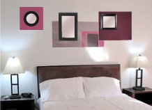 Decorating A Bedroom With Mirrors